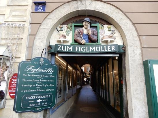 Entrance to Figmüller